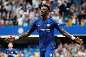 Chelsea in talks with Tammy Abraham over new deal until 2025