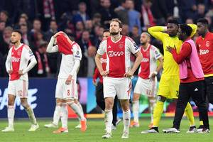 Edwin van der Sar confirms three players could leave Ajax