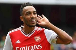 Arsenal offering Aubameyang an contract extension