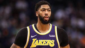 Anthony Davis sits in Lakers' loss to Pacers with ankle sprain