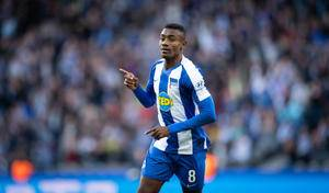 Salomon Kalou failed to obtain work permit for Aston Villa move
