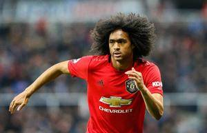 Tahith Chong signs new deal with Manchester United